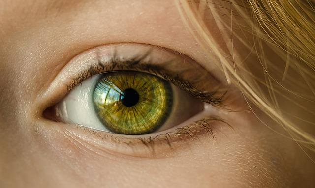 zelené oko zblízka