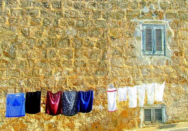 sušení prádla na šňůře