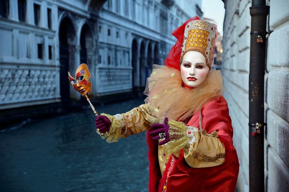 karnevalový kostým